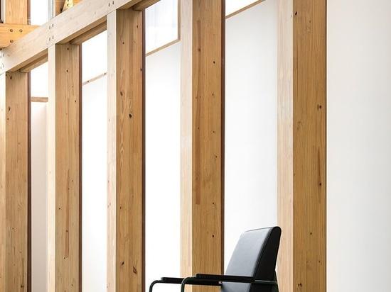 le pavillon souple du studio MK27 peut servir de magasin, de galerie, ou même de résidence provisoire