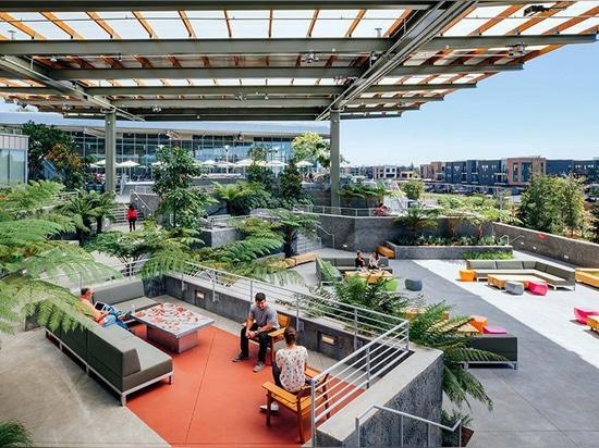 le facebook augmente son campus avec le bâtiment gehry-conçu franc supplémentaire