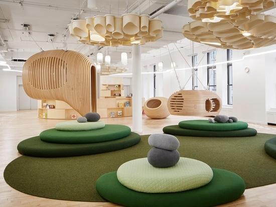 La première école de WeGrow à New York est remplie d'espaces reculés