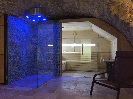 Starlike® de Litokol dans le spa du château de Saint Félix