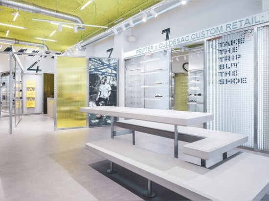 Approvisionnement à la génération de Selfie : Le magasin d'étain dans Gandía, Espagne