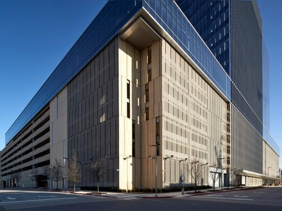 Revêtement de façade: Liberty Mutual Insurance