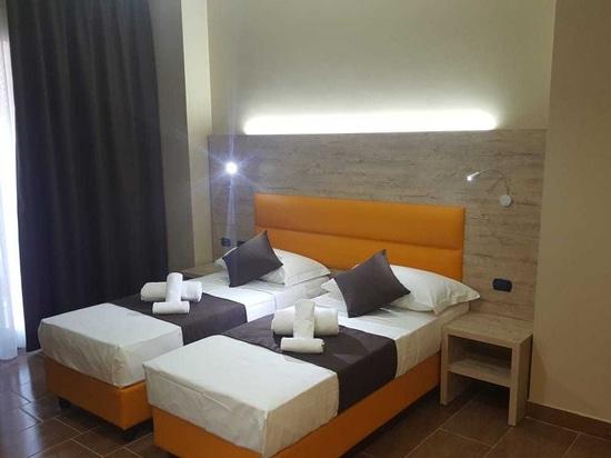 Mobilspazio a meublé l'HOTEL STRADIVARI à Milan