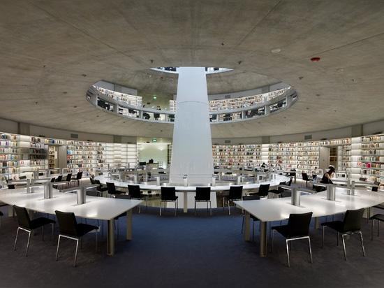 """Jean Nouvel achève la bibliothèque """"terrassement"""" de l'Université de Chypre"""