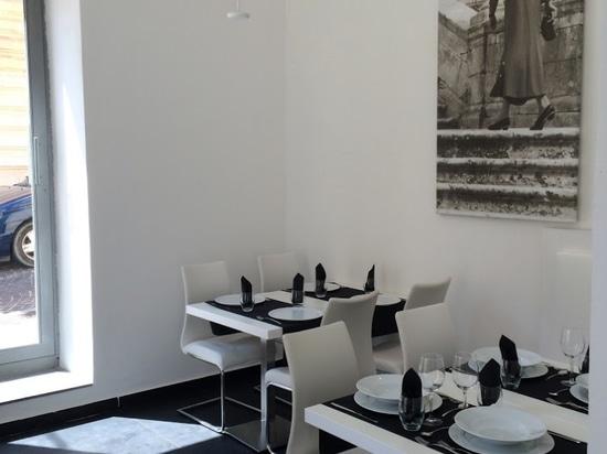 Vinothèque de pizzeria de Ristorante d'HUMEUR