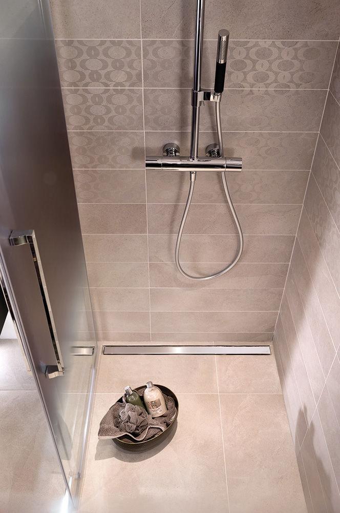 Douche à L Italienne En Verre Rectangulaire Avec Porte