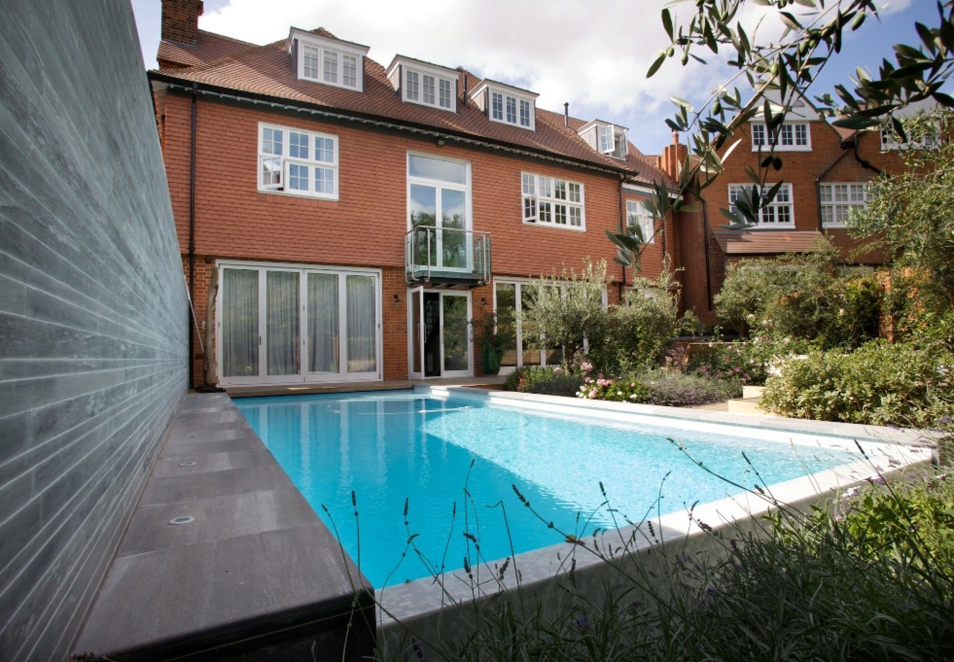 Piscine Enterree Hampstead Guncast Swimming Pools En Beton