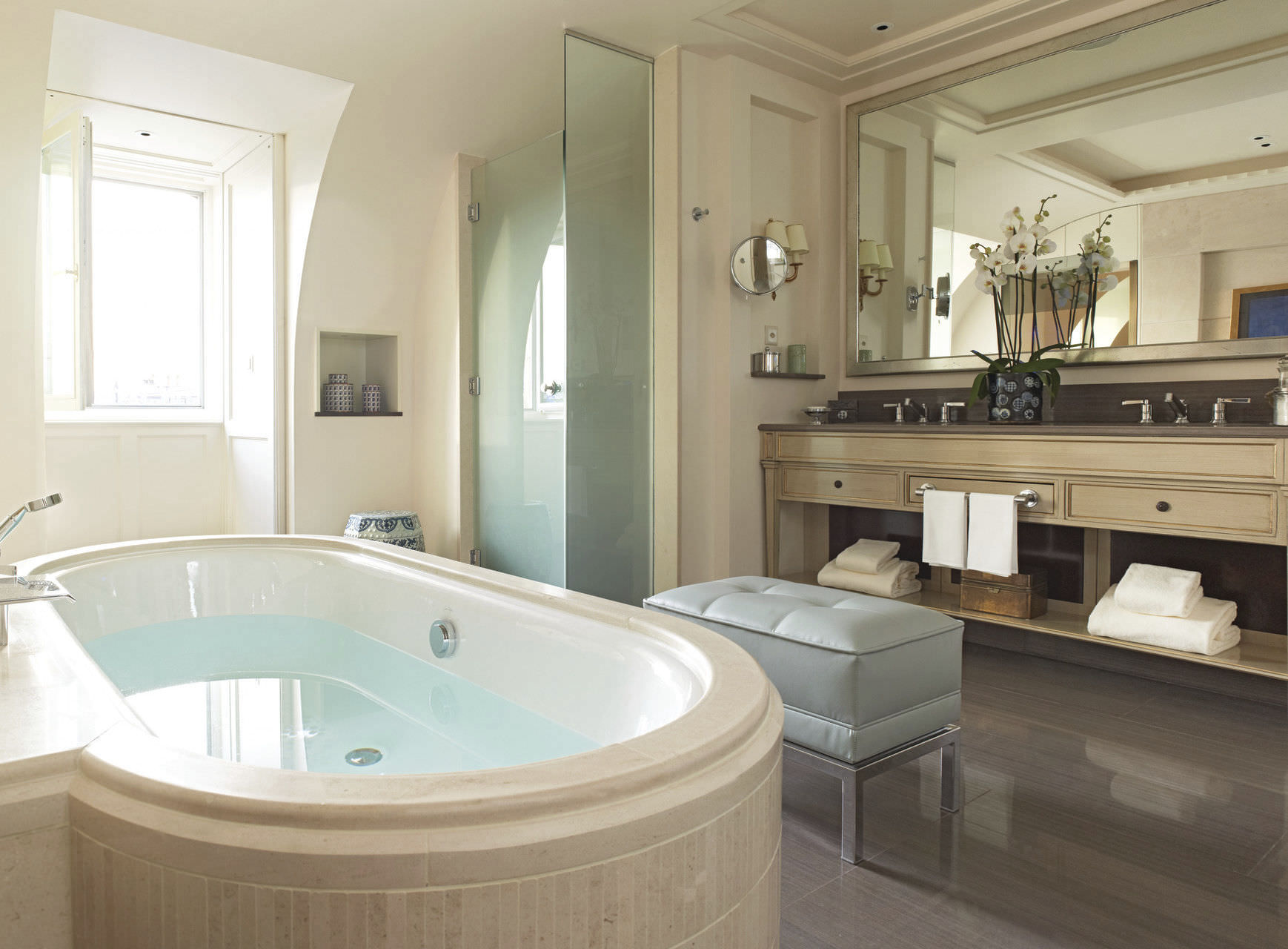 Tele Salle De Bain miroir de salle de bain mural / avec télévision intégrée