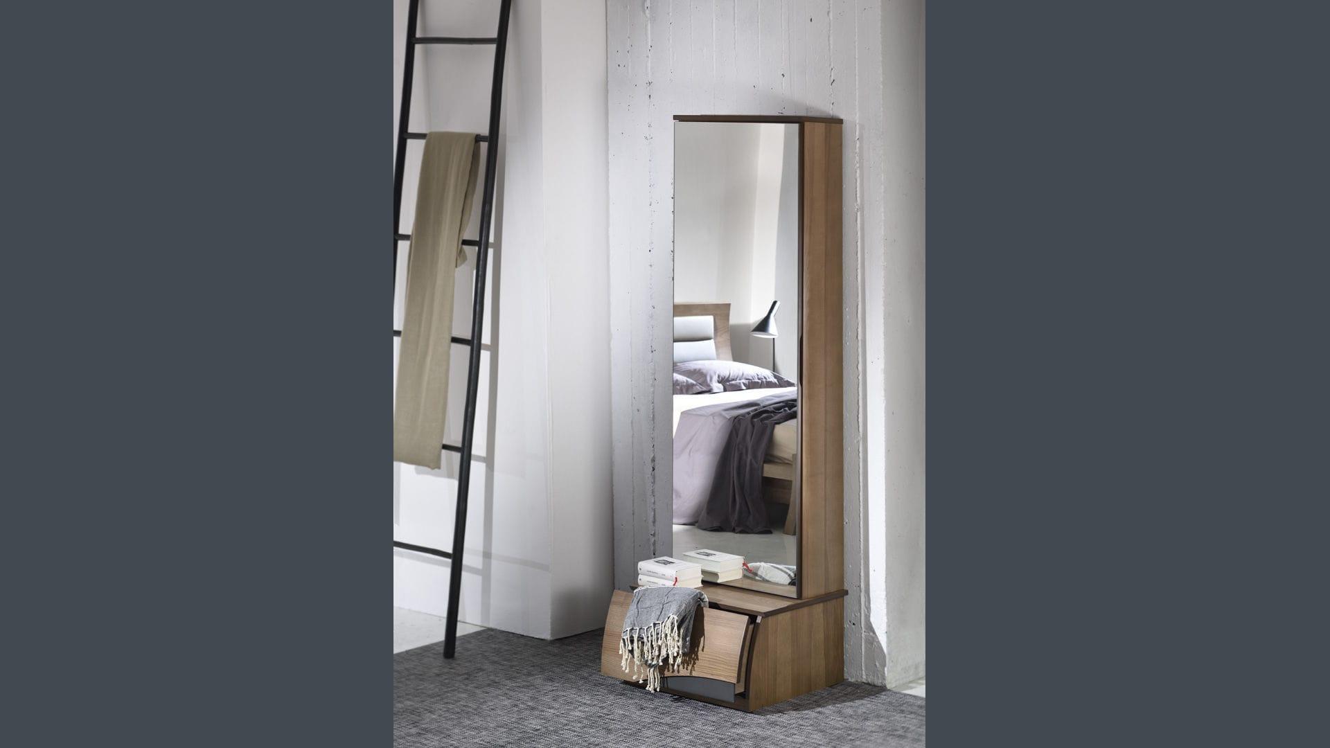 Miroir mural / sur pied / de chambre à coucher / avec ...