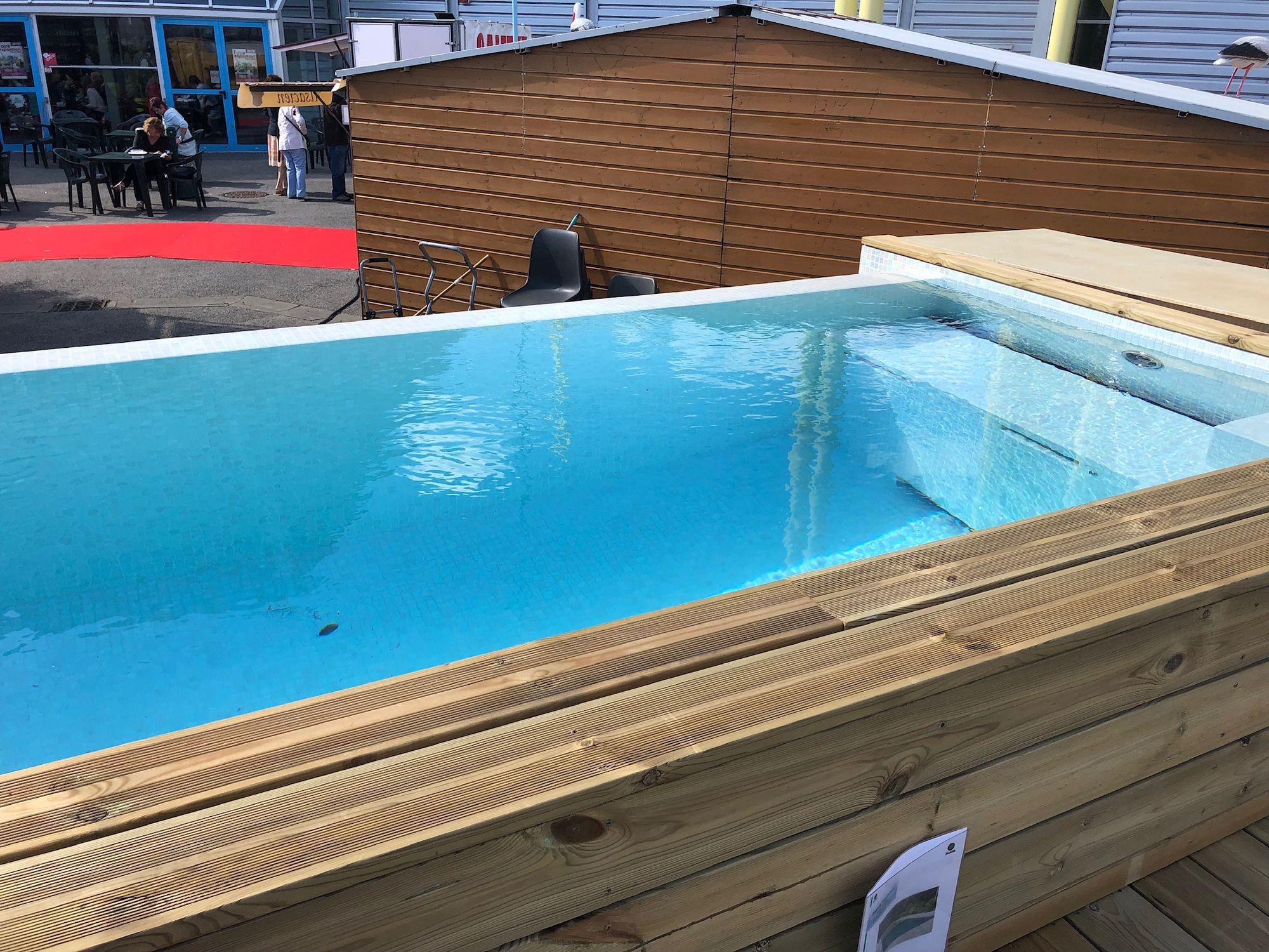 Piscine En Pierre Hors Sol piscine hors-sol / en pierre / d'extérieur city pool infinity 5 x 2 x 1.35  tilestone pools one piece tiled pools