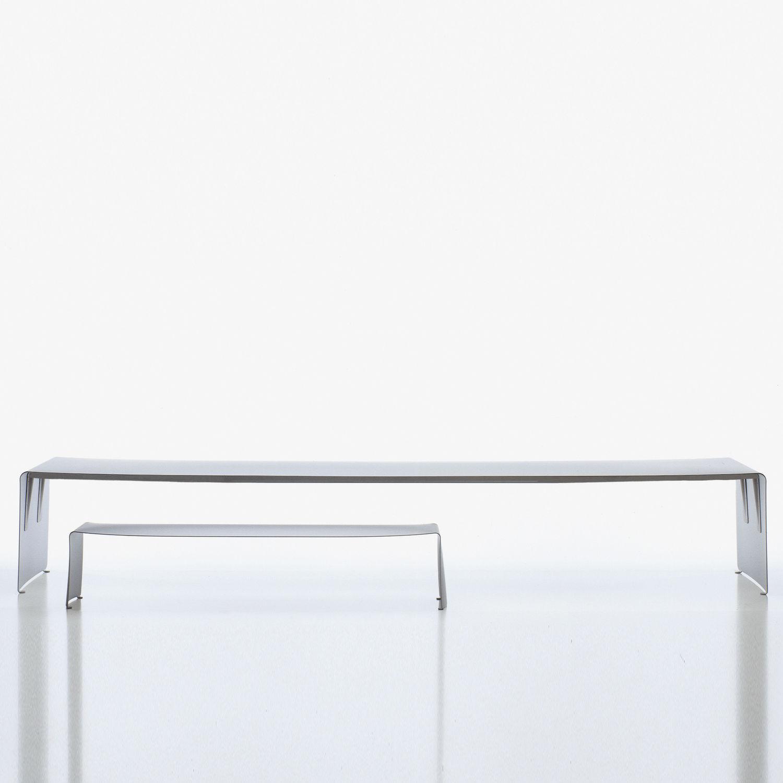 Table à manger contemporaine / en aluminium laqué ...