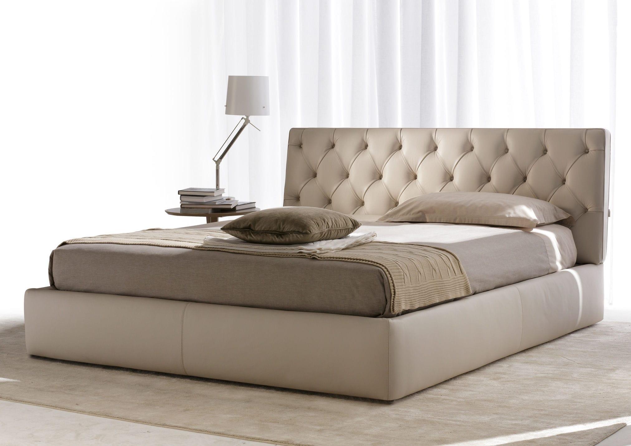 Lit Avec Tete De Lit Matelassé lit double / contemporain / tapissé / avec tête de lit