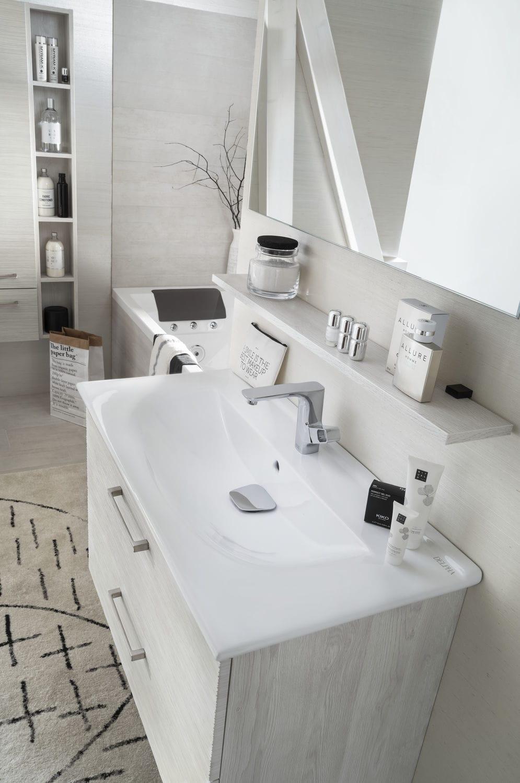 Salle de bain contemporaine / en céramique / en chêne ...