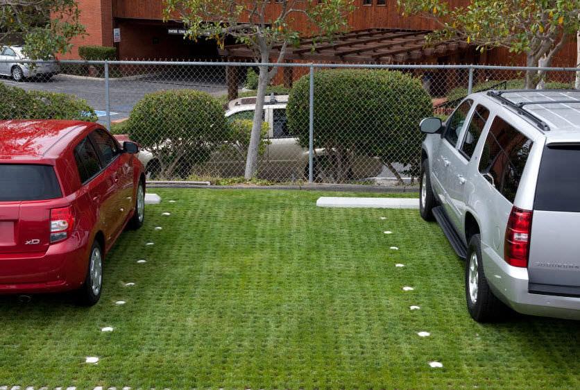 Gazon En Dalles Carrossable Pour Espace Public Parking