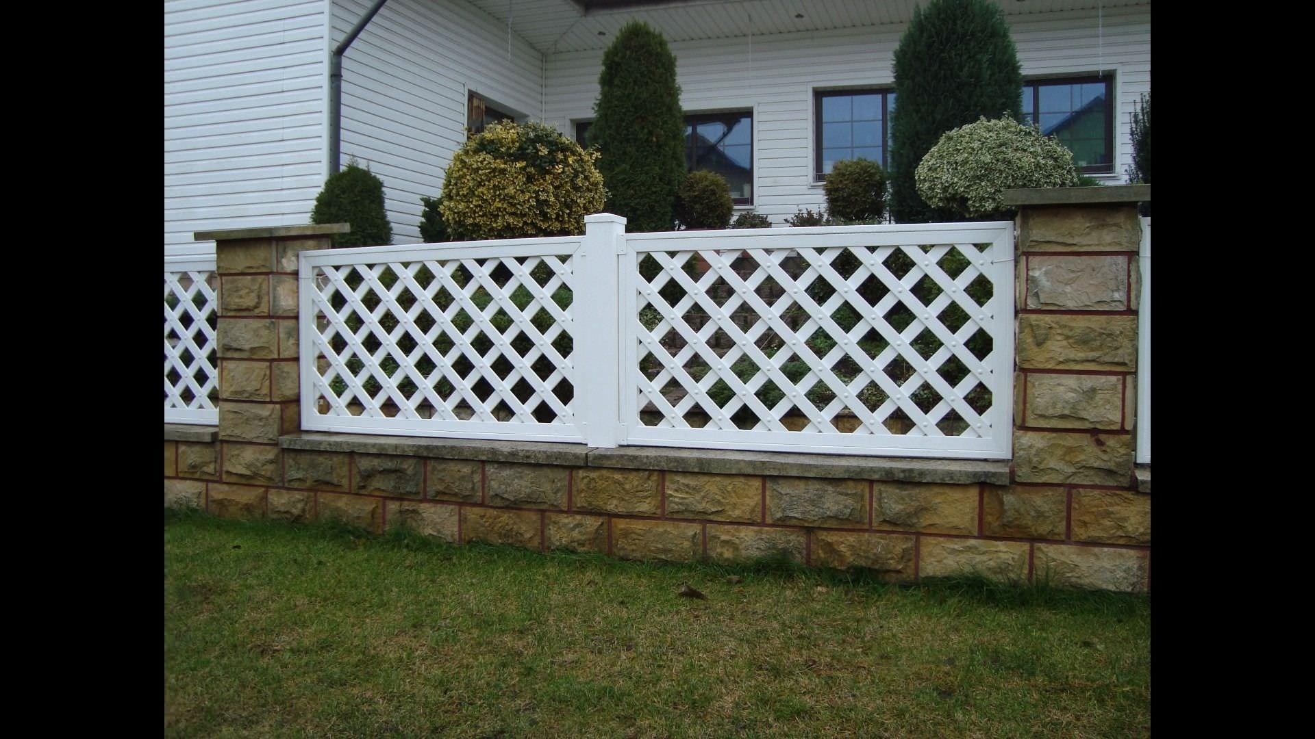 Clôture de jardin / en PVC - PERGOLA GRID SKEW FENCE - Top Fence