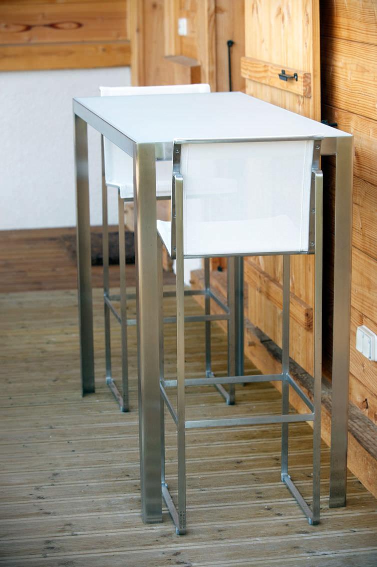 Bar Exterieur En Pierre table mange-debout contemporaine / en métal / en verre / en pierre