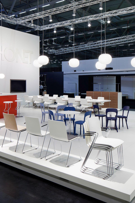 Table à Manger Contemporaine / En Bois / En Acier / Carrée