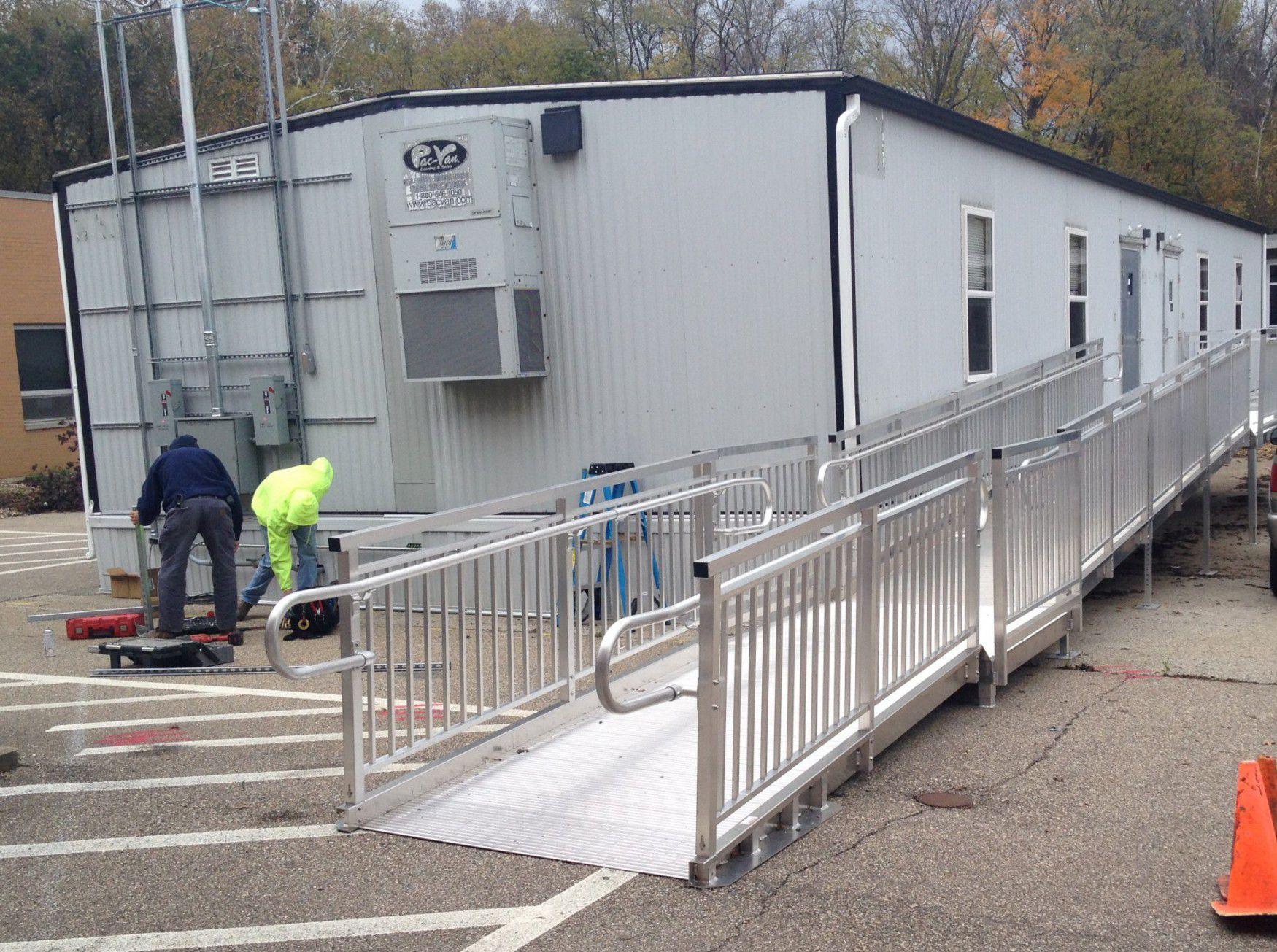 Rampe D Escalier Traduction Anglais rampe d'accès en aluminium / pour personnes à mobilité