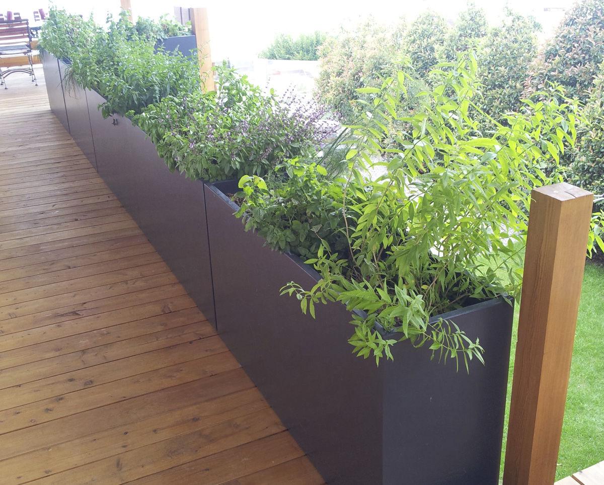 Jardiniere En Fibro Ciment Rectangulaire Sur Mesure A Roulettes Irm 140 40h70 Irm 120 40h70 Irf119 30h55 Image In Atelier So Green