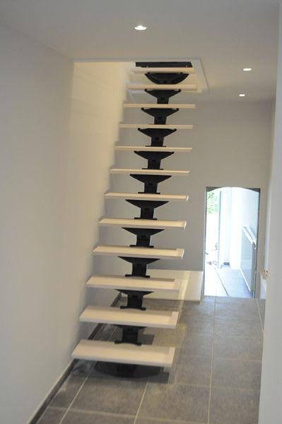 Escalier Droit Structure En Metal Marche En Bois Sans