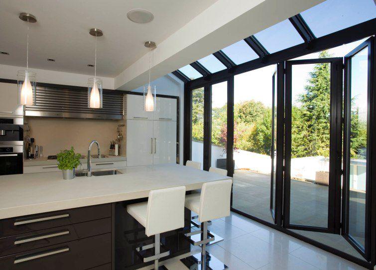 Baie vitrée coulissante-empilable / en aluminium / à double ...