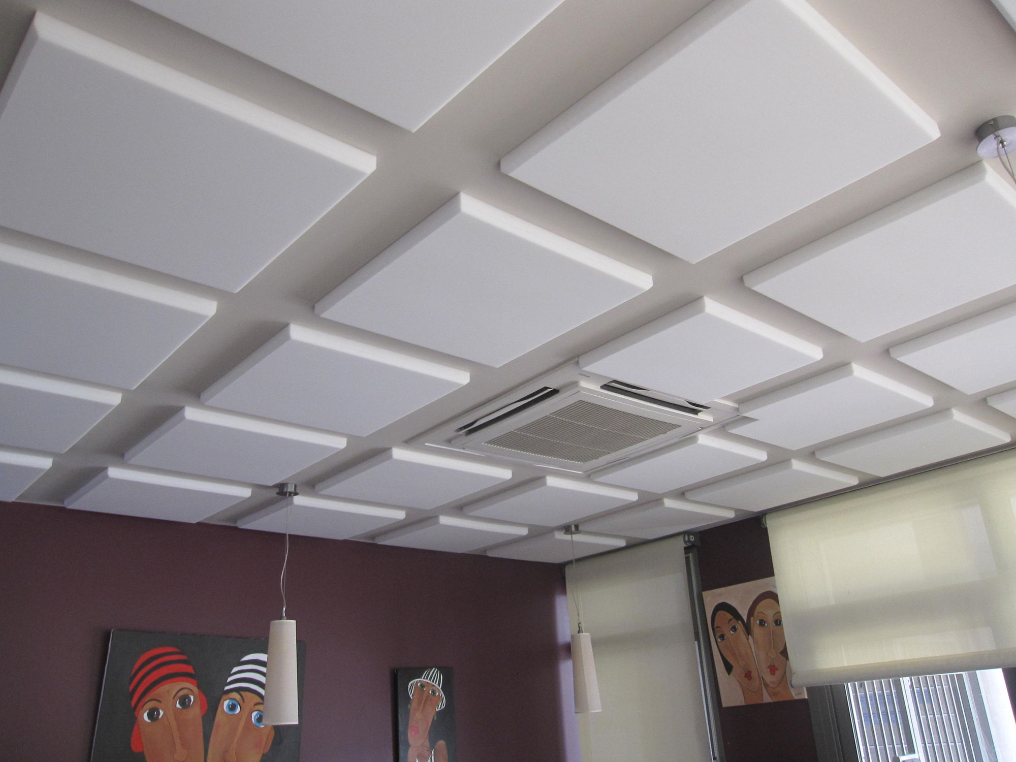 Faux Plafond Suspendu En Dalles Isolantes faux-plafond en mousse / en dalles / en panneaux