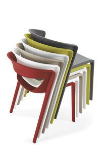 chaise contemporaine / empilable / en polypropylène / professionnelle