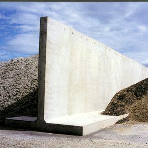mur de soutènement en béton armé / modulaire / préfabriqué / pour canalisation (travaux publics)