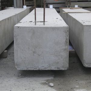 longrine en béton armé / continue préfabriquée