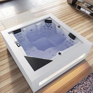 spa hors-sol / carré / 5 places / d'intérieur