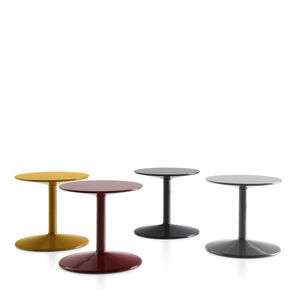 table d'appoint contemporaine / en polyuréthane / ronde / par Piero Lissoni