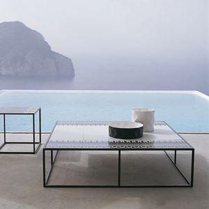 table basse contemporaine / en grès cérame / en tôle d'acier / en aluminium
