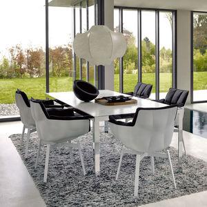 chaise contemporaine / tapissée / avec accoudoirs / en tissu