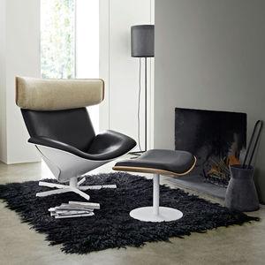 fauteuil design scandinave / en chêne / en cuir / en mérinos