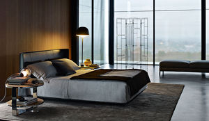 lit double / contemporain / avec tête de lit tapissée / en cuir