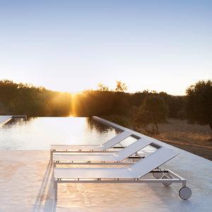 bain de soleil contemporain / en Batyline® / en teck / en aluminium