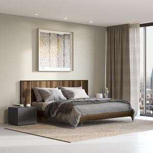 lit double / contemporain / avec tête de lit / avec éclairage intégré