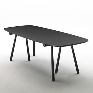table contemporaine / en frêne / en plaqué bois / rectangulaire