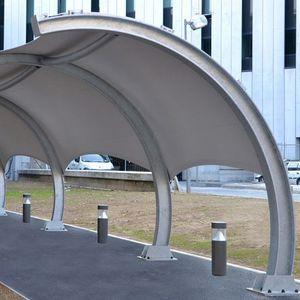 structure tendue sur ossature métallique / pour marquise / pour abri / avec membrane en pvc