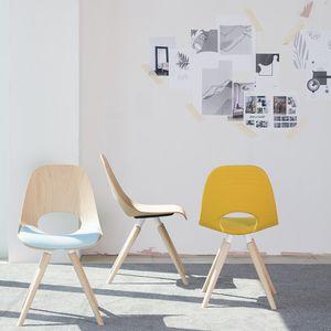 chaise de restaurant contemporaine / empilable / luge / en bois