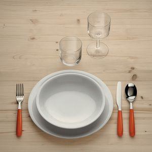 assiette de service / à dîner / creuse / à dessert