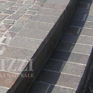 bordure de jardin / pour trottoir / de protection / en porphyre