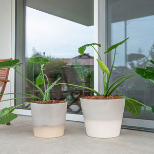 pot de jardin de terre cuite / rond / résidentiel