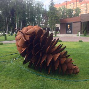 sculpture en acier corten / pour espace public / pour établissement public / pour restaurant