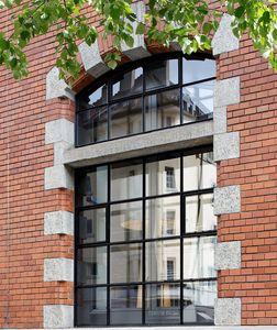fenêtre battante / oscillo-battante / fixe / en acier