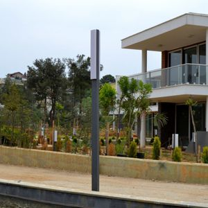colonne lumineuse design minimaliste