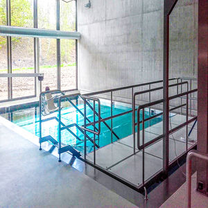 rampe d'accès en inox / pour personnes à mobilité réduite / pour passage de seuil / pour plancher technique