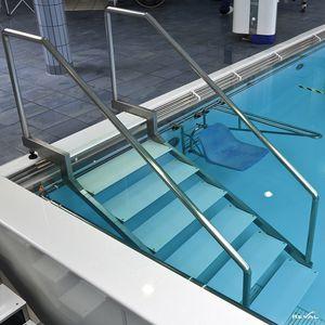 escalier de piscine en inox
