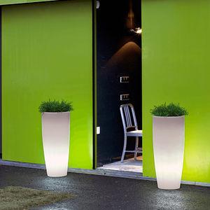pot de jardin en polyéthylène / rond / en hauteur / lumineux