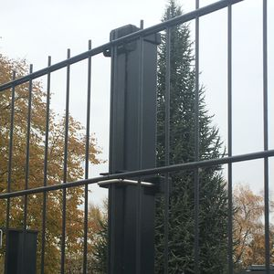 poteau pour clôture industriel